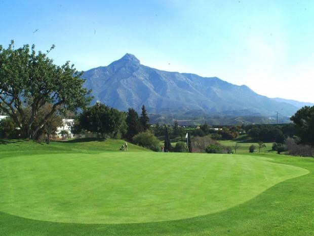 Golf-in-Nueva-Andalucia-Magna-Estates