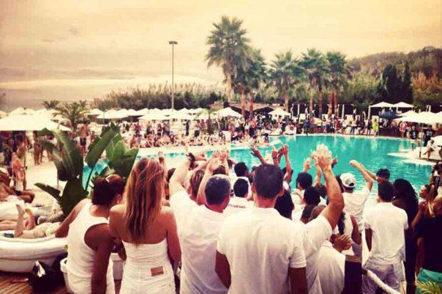 Los-mejores-Beach-Clubs-en-Marbella-1