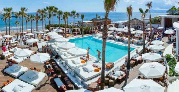 Los-mejores-Beach-Clubs-en-Marbella-4